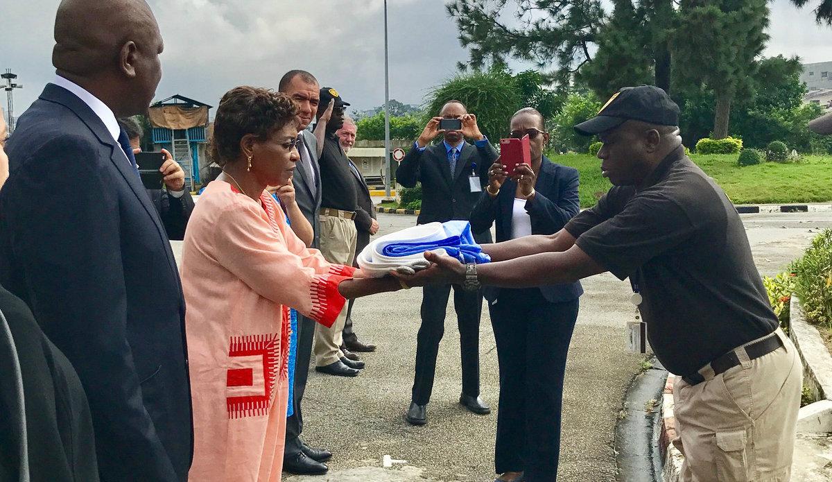 SRSG Mindaoudou receives the UN flag 29 June 2017