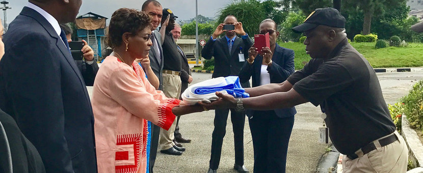 SRSG Mindaoudou receives the UN flag 29 June 2017